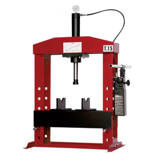 HYDRAULIC PRESS WITH MOVEABLE PISTON
